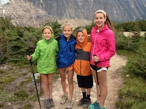 private guided hikes family